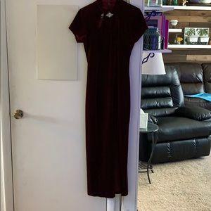 Velvet maroon cocktail dress with leg slit